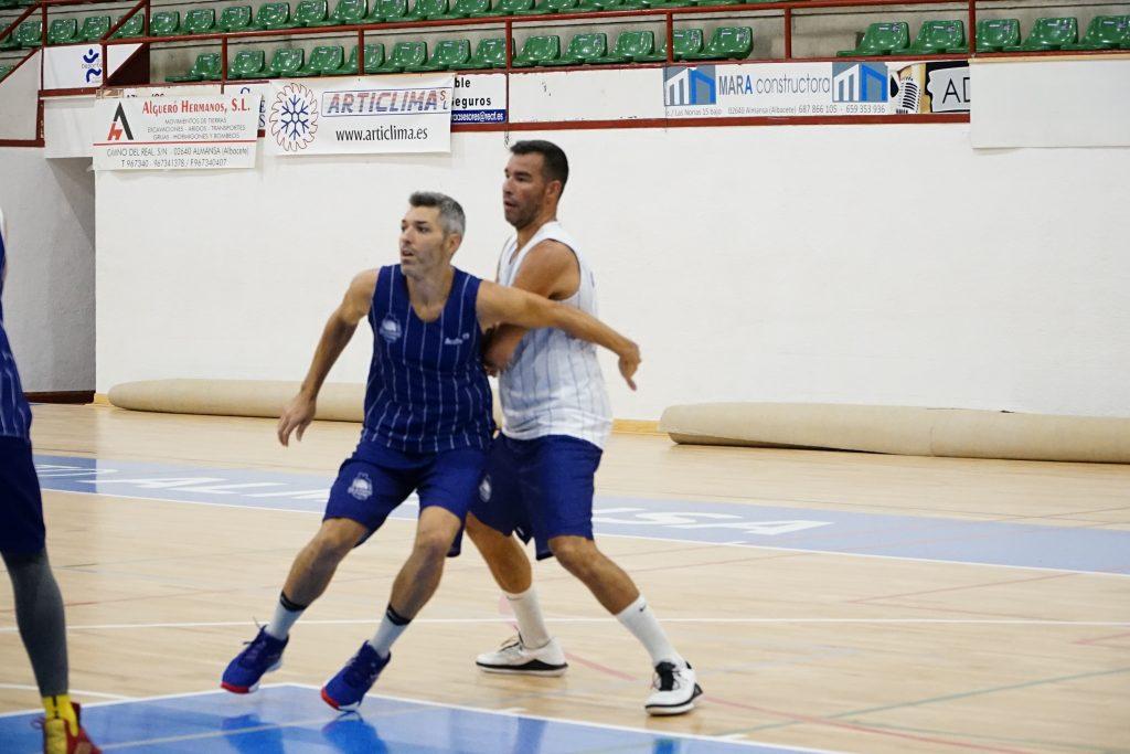 Carles Bivià y Miguel Ráez luchan por la posición