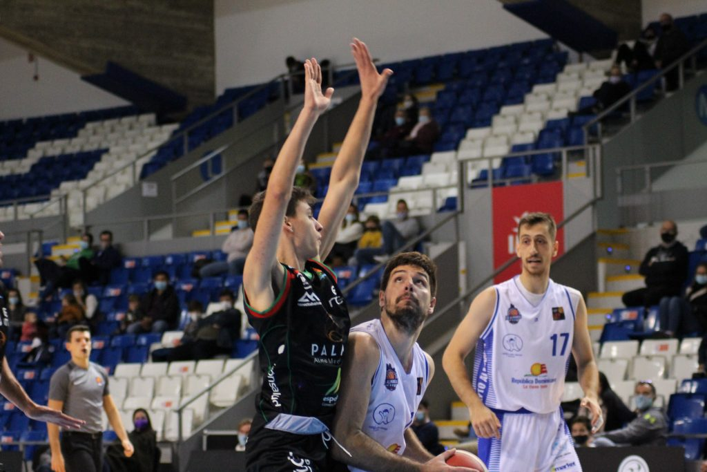 Nikola Cvetinovic cuajó un gran encuentro