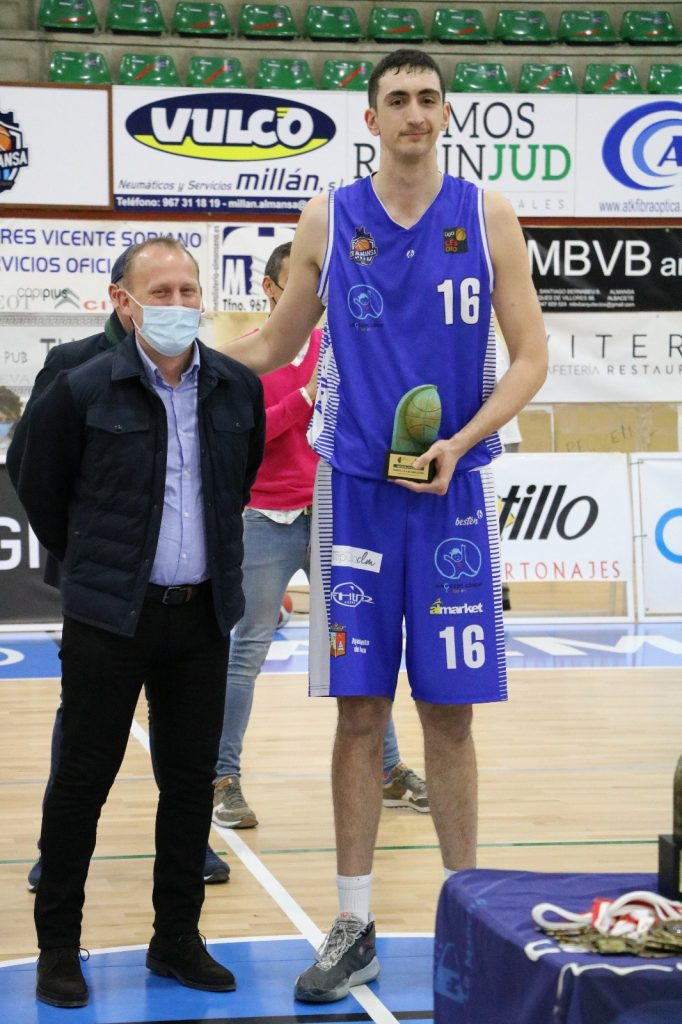 Mendiola MVP en la final del Trofeo JCCM disputado entre CB Almansa con AFANION y El Ventero CB Villarrobledo