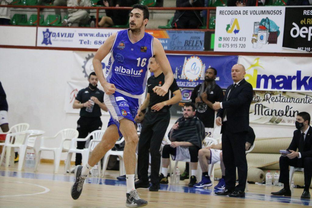 Sergio Mendiola, decisivo en el último cuarto. Foto: CB Almansa / Rafael Navalón