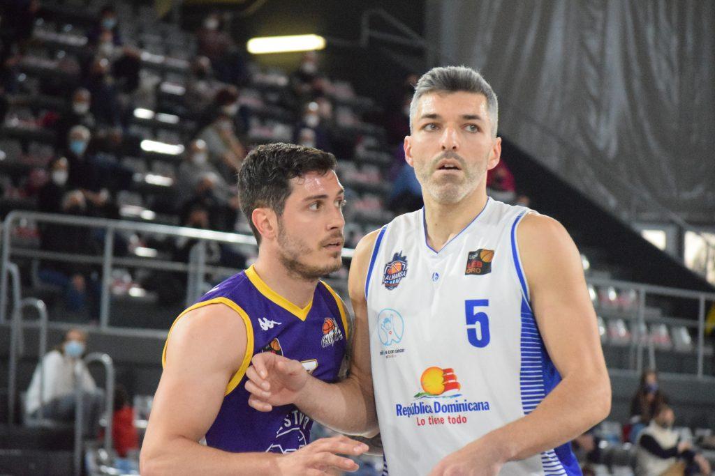 Carles Bivià aportó 5 puntos, 5 rebotes y 2 asistencias. Foto: Rubén Díaz / MasQueBasketPal