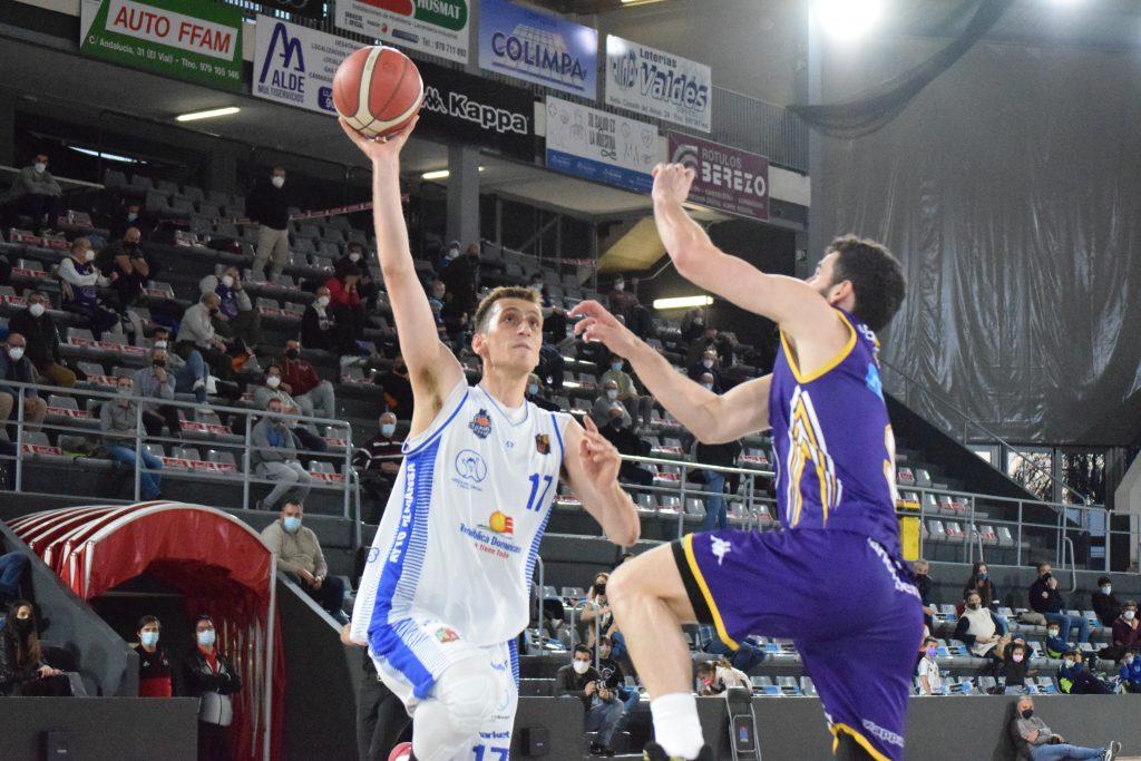 José Nogués cuajó un buen partido en la visita a Palencia