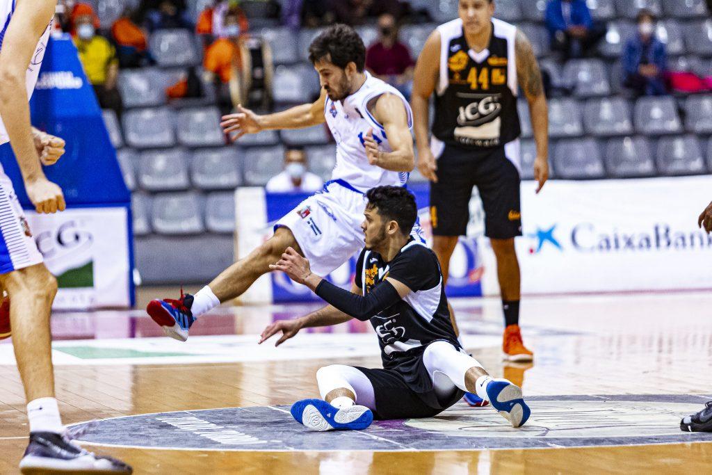 Eddy Polanco en un lance en el priemr encuentro de la pasada temporada. Foto: Força Lleida